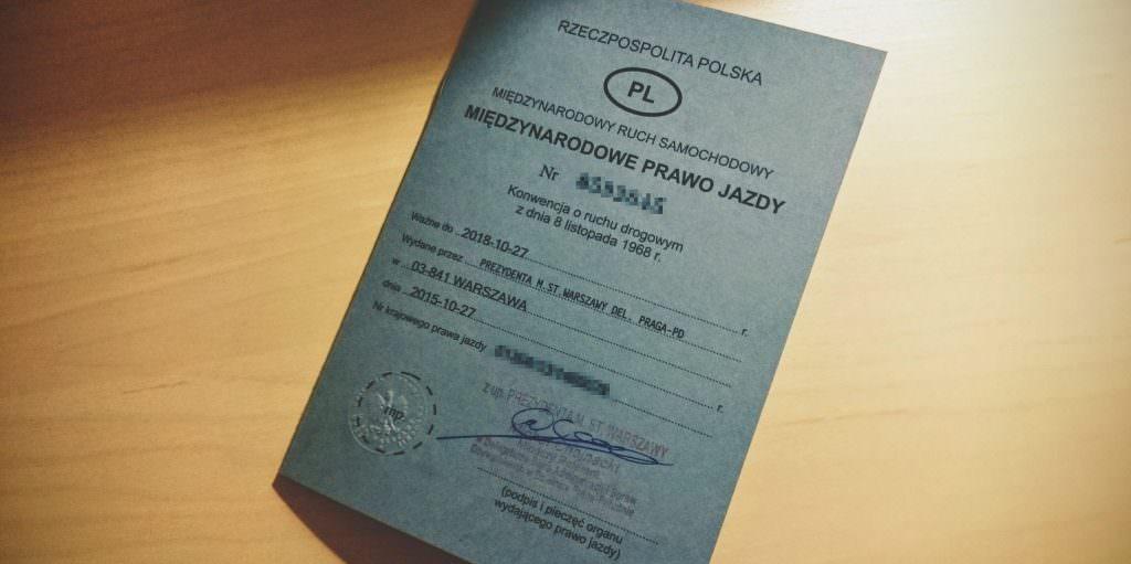 Okładna międzynarodowego prawa jazdy
