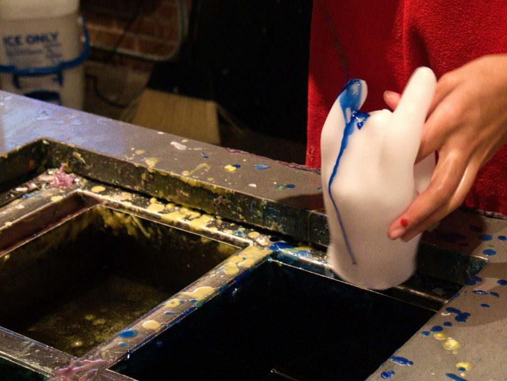 Kolorujemy woskową dłoń!