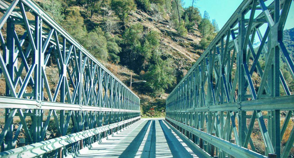 Most jednokierunkowy po drodze do Yosemite